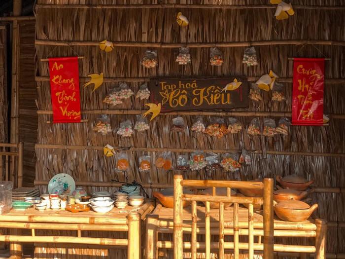 Check in khu du lịch Làng Xanh - Tiệm tạp hóa
