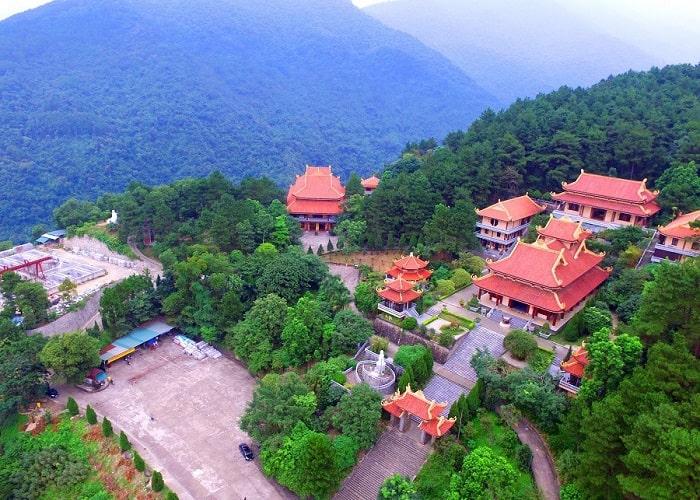 Toàn cảnh Thiền Viện Trúc Lâm Tây Thiên từ trên cao