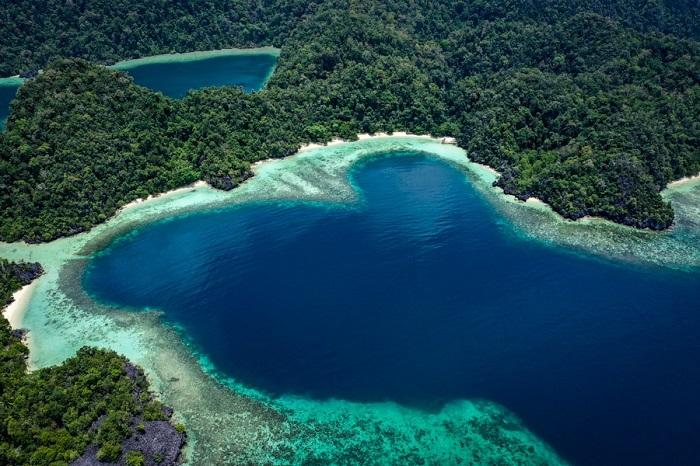 Vịnh tình yêu ở đảo Labengki - Đảo du lịch ở Indonesia