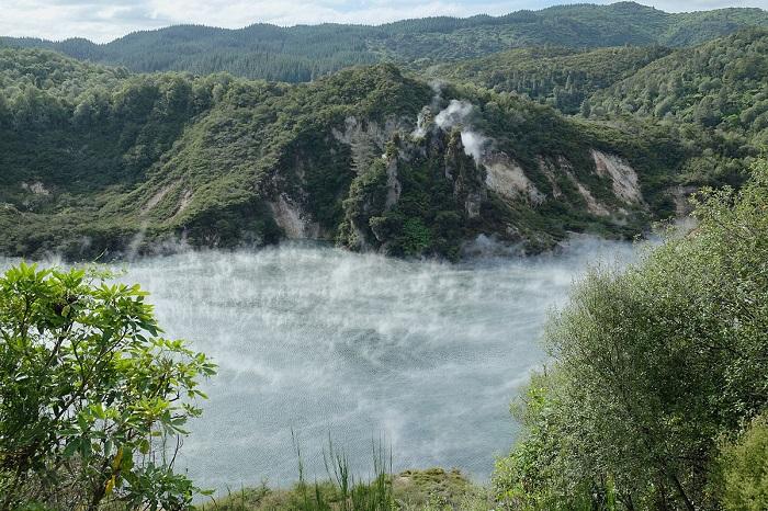 Hồ Frying Pan - Thung lũng núi lửa Waimangu