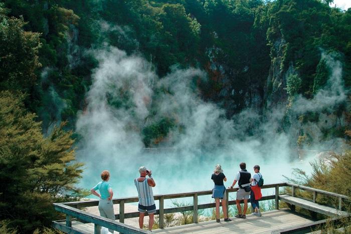 Tham quan thung lũng địa nhiệt Waimangu  - Thung lũng núi lửa Waimangu