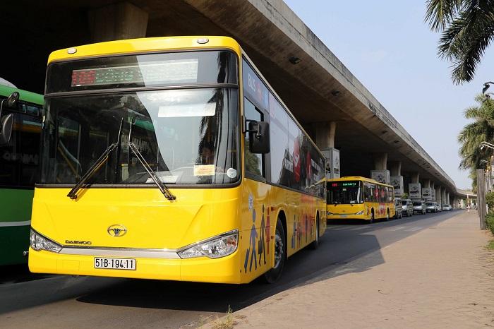 Xe buýt đi đến Thiền Viện Trúc Lâm Tây Thiên