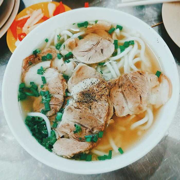 Banh_canh_TrYng_Bang_Tay_Ninh_khiYn_nhiYu_ngYYi_me_mYn.
