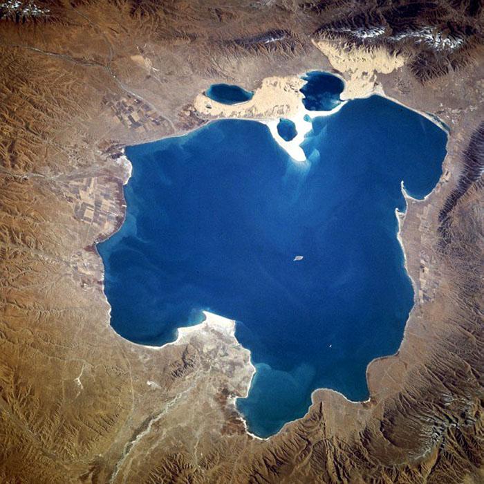 Qinghai China Lake - beautiful dreaming waters