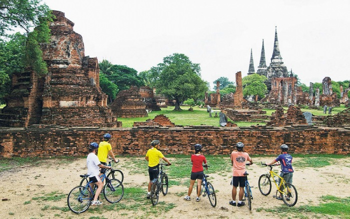 Đạp xe thăm quan cố đôAyutthaya