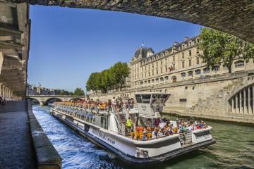 Nhất định không được bỏ lỡ trải nghiệm du thuyền sông Seine – Pháp