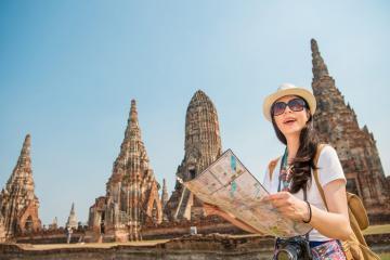Sống chậm tại cố đô Ayutthaya cổ kính ở miền Bắc Thái Lan
