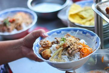 Bình Thuận có mấy món bún mà cứ trộn lên là lại thành ngon bá cháy