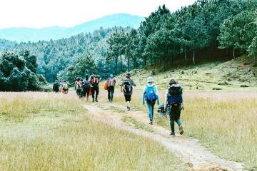 Tuổi trẻ này mình cùng nhau chinh phục những cung trekking đẹp nhất Việt Nam