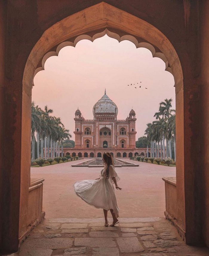 Tomb of Safdarjung - unique architecture in New Delhi
