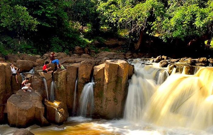 Cuối tuần 'quẩy banh' khu du lịch Sóc Xiêm Bình Phước