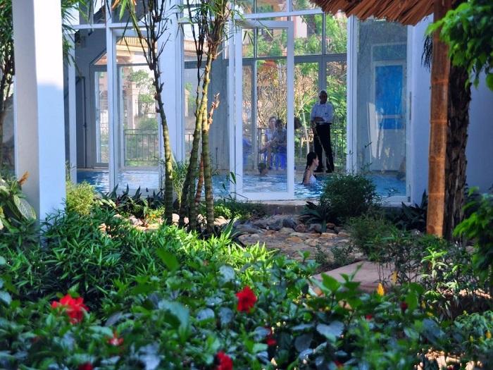Tại suối khoáng nóng Thanh Thủy có khu nghỉ dưỡng sang trọng