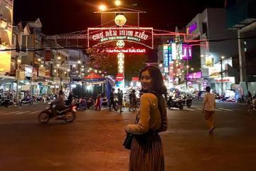 'Oanh tạc' hết các khu chợ đêm Cần Thơ ăn uống và mua sắm thỏa thích