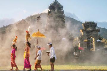 Thánh địa sống ảo: 8 ngôi đền Hindu tuyệt đẹp ở đảo Bali