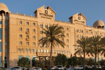 Check list khách sạn gần trung tâm mua sắm Villagio, Doha (p2)