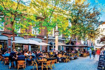 6 quán ăn ngon ở Amsterdam không gian đẹp và giá hợp lý
