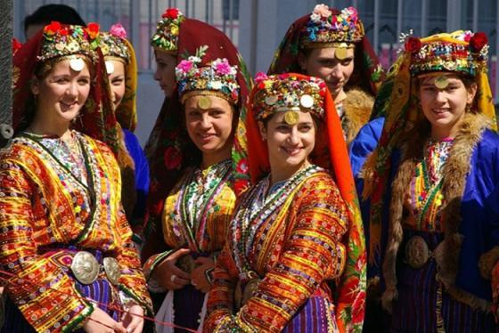 Khám phá những lễ hội ở Bulgaria thấy cả bầu trời văn hóa của bán đảo Balkan huyền thoại