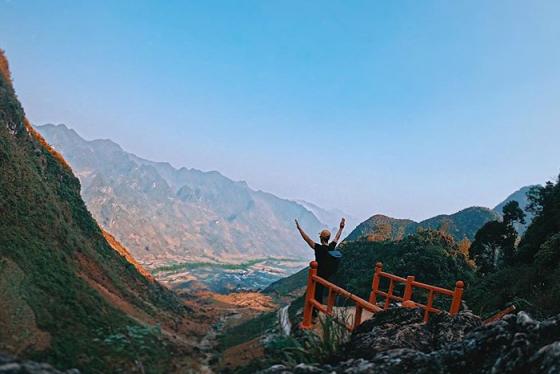 Ngỡ ngàng trước vẻ đẹp lung linh của hang Lùng Khúy, Hà Giang