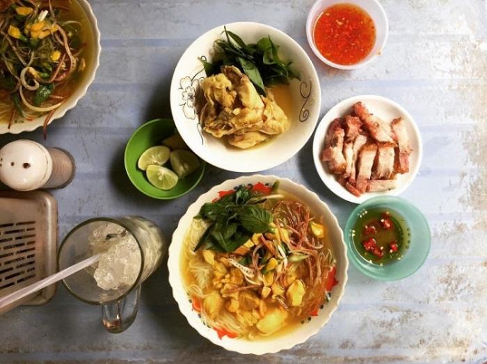 Delicious restaurant in Rach Gia - Ut Oi fish noodle soup