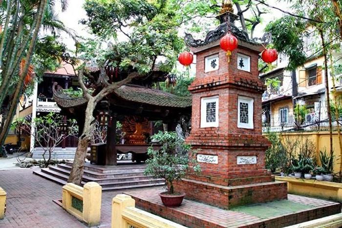 Những ngôi chùa cầu duyên ở Hà Nội - Bên trong chùa