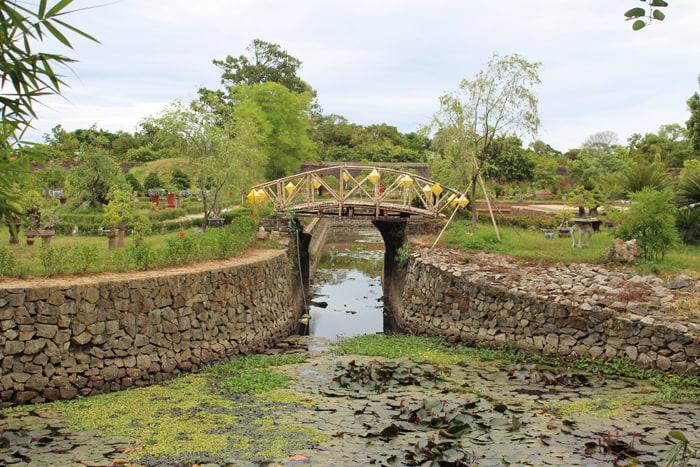 Explore Co Ha Garden - Kim Nghe Bridge
