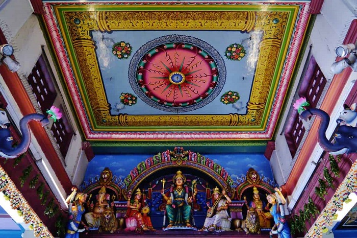 Sri Mariamman Temple - Ceiling with colorful motifs