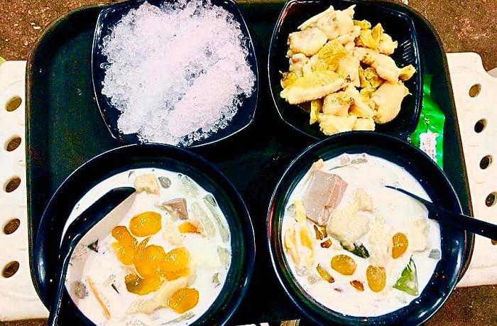 Mother Nhim tea - delicious durian tea shop in Hanoi