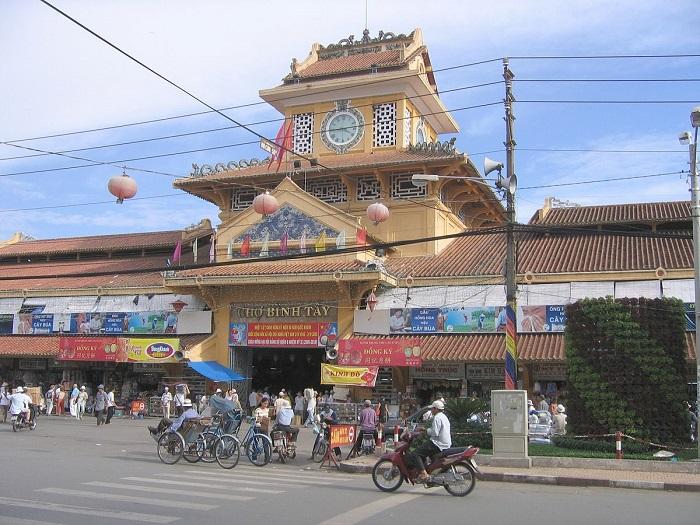 chợ nổi tiếng ở Sài Gòn- chợ Bình Tây