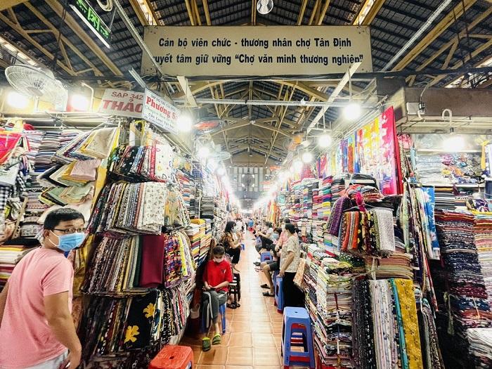 chợ nổi tiếng ở Sài Gòn- chợ Tân Định