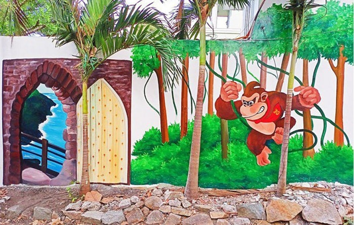 Theme in Vung Tau mural alley