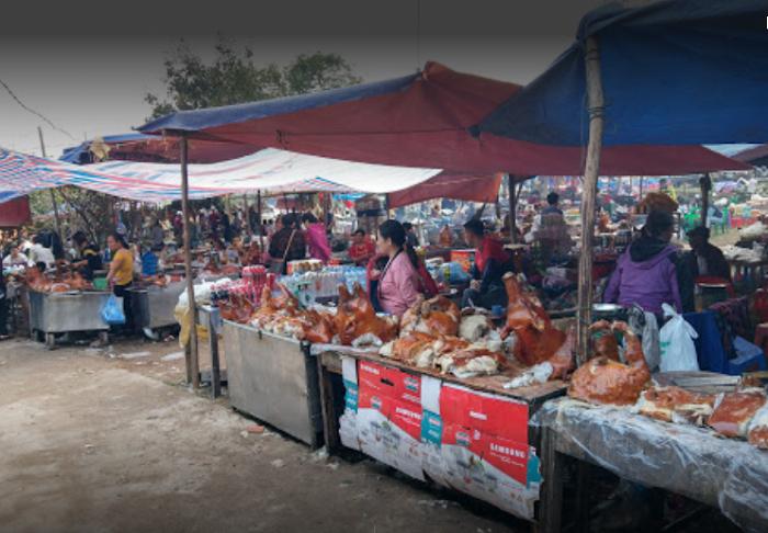 Bac Nga Temple Lang Son - food court