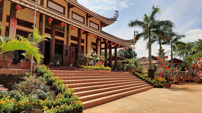 cHÁNH ĐIỆN chùa Hoa Khai ở đắk Nông