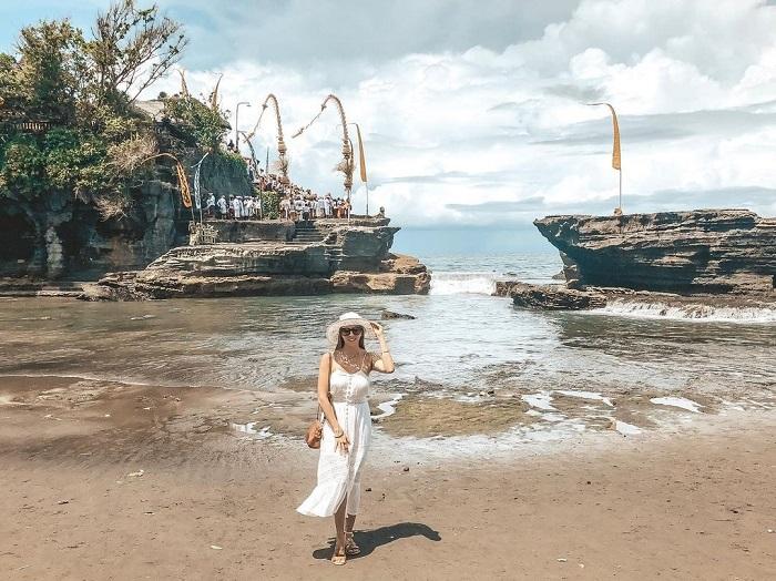 Đền Tanah Lot là một trong những ngôi đền nổi tiếng nhất ở Bali
