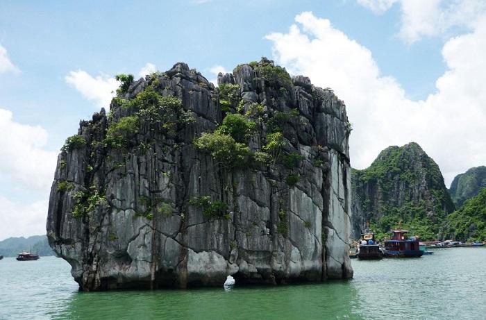 đỉnh Lư Hương Hạ Long- cảnh đẹp