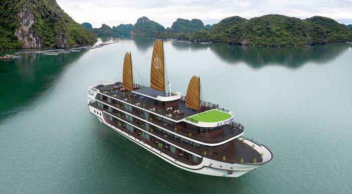 đỉnh Lư Hương Hạ Long- đi du thuyền