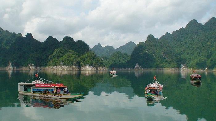 Boat ride at Na Hang Lake