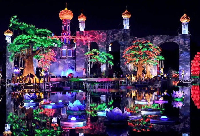 Art Park is a beautiful new world with 100% recyclable items -Dubai Garden Glow