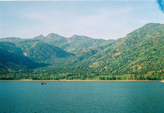 travel to Am Chua lake Nha Trang