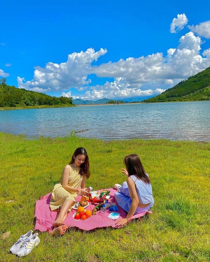 Discover Am Chua Lake Nha Trang