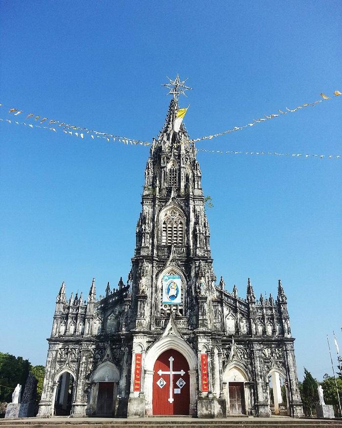 kinh nghiệm du lịch Móng Cái - nhà thờ Trà Cổ
