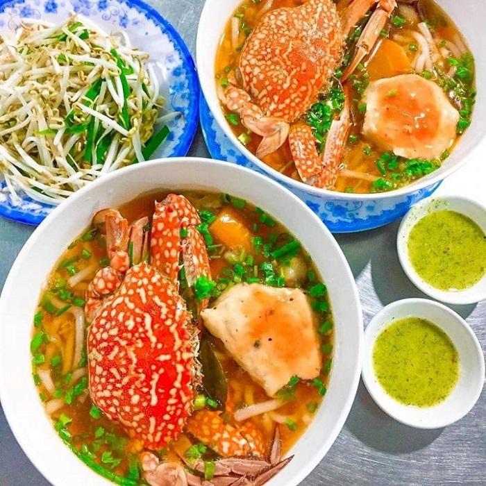 món ăn đặc sản Kiên Giang- bánh canh ghẹ chả