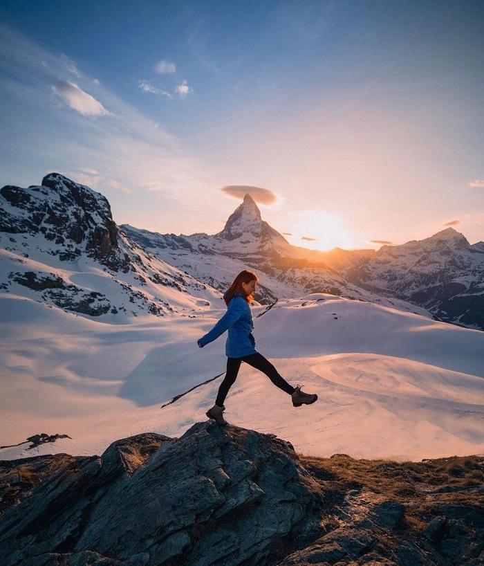 Zermatt mountains in winter - When to travel to Switzerland