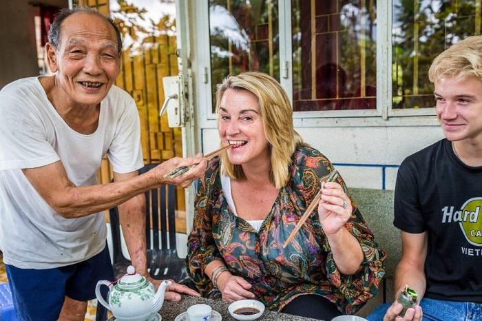 Những nét văn hóa đặc trưng của Sài Gòn- con người hào sảng