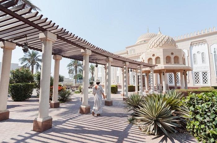 Lối vào Nhà thờ Hồi giáo Jumeirah