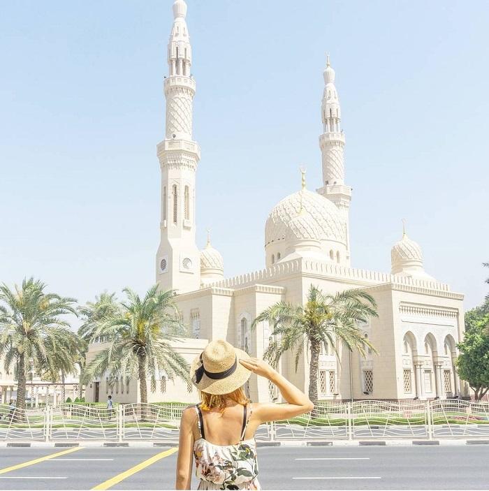 Nhà thờ Hồi giáo Jumeirah là một trong những kho báu kiến trúc được yêu thích nhất ở Dubai