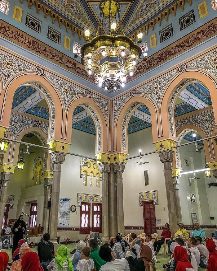 Trong một chuyến tham quan có hướng dẫn Nhà thờ Hồi giáo Jumeirah
