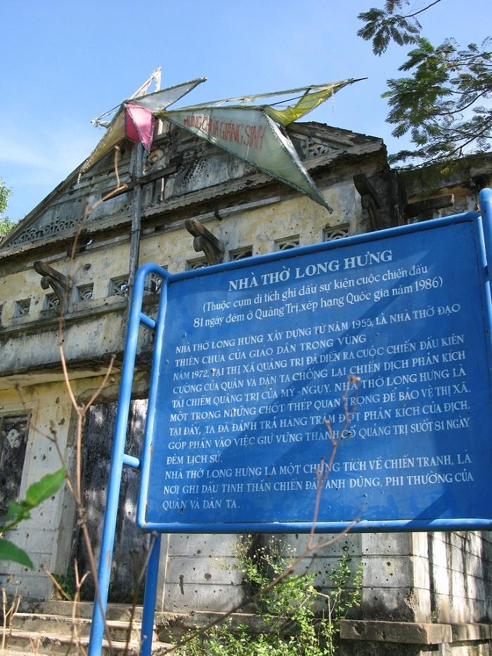 nhà thờ Long Hưng Quảng Trị - bia giới thiệu