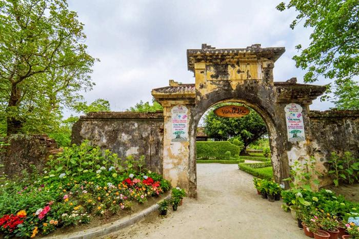 Discover Co Ha Garden - Garden Gate