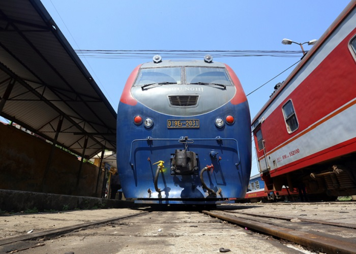 means of transportation to Lang Son - train