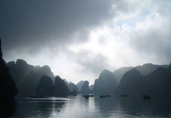 Thời điểm du lịch Hạ Long - mùa mưa